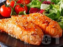 Глазирана сьомга със саке, соев сос и мирин печена на фурна - снимка на рецептата